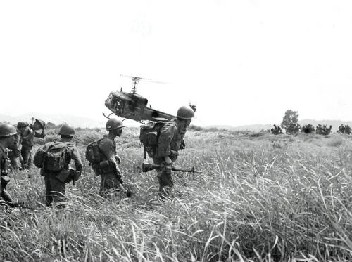 Joint_operation_with_ARVN_112-1