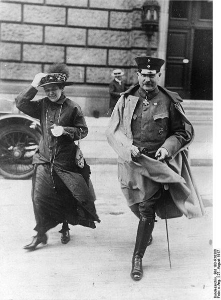 441px-Bundesarchiv_Bild_183-R10386,_Wilhelm_Groener_mit_Frau