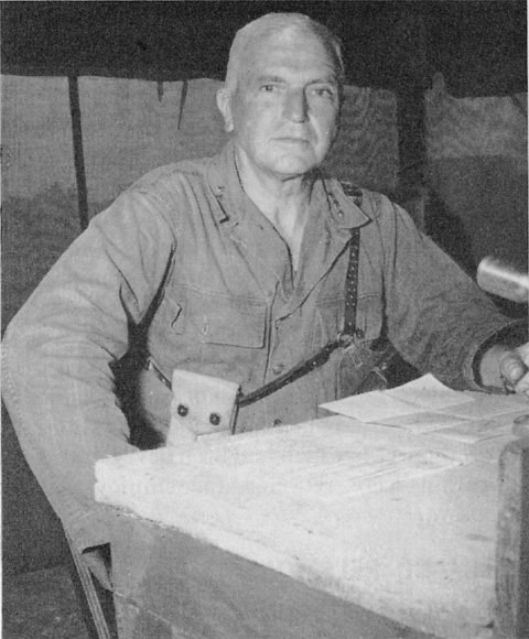 LIEUTENANT_GENERAL_SIMON_B._BUCKNER_in_Okinawa