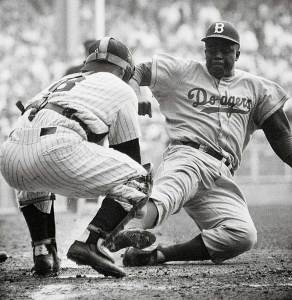 jackie-robinson stealing home