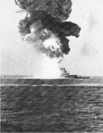 Roma_(1940)_exploding
