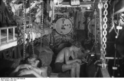 U-107 in See, Bugraum