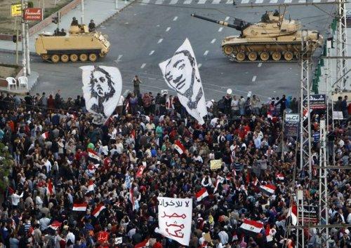 2012-12-07T183045Z_340924292_GM1E8C71U0S01_RTRMADP_3_EGYPT-POLITICS