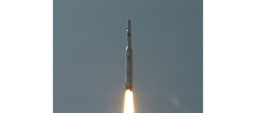 r-north-korea-rocket-huge-1