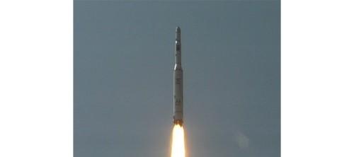 r-north-korea-rocket-huge-1