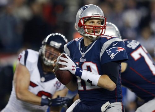 2013-01-13T220417Z_1947265235_GM1E91E0GTT01_RTRMADP_3_NFL-PLAYOFFS-PATRIOTS