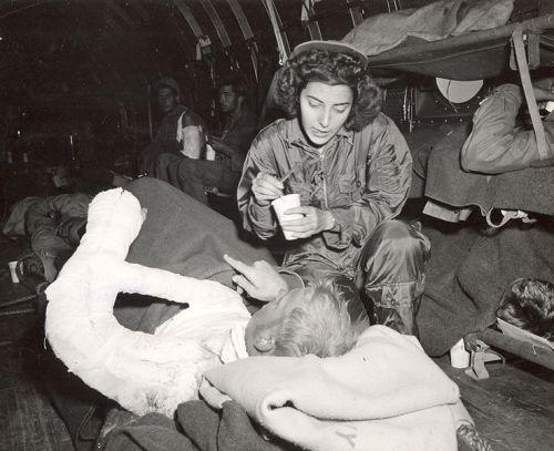 737px-Jane_Kendeigh_USN_Flight_Nurse_1945_a