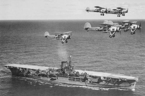 HMS_Ark_Royal_h85716