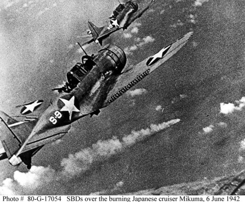 Dauntless_dive_bombers