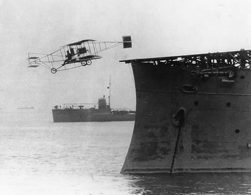 First_airplane_takeoff_from_a_warship