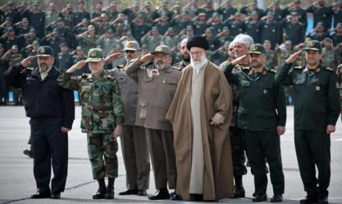 revolutionary-guards-and-khamenei