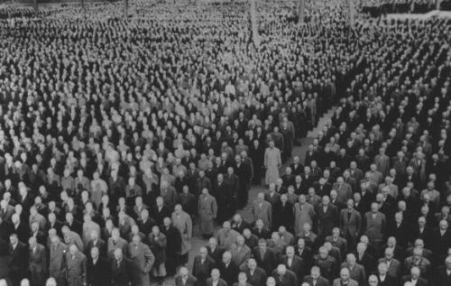 Roll_Call_Buchenwald_after_Kristallnacht