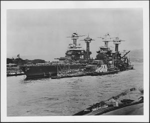 729px-Photograph_of_the_damage_done_to_the_USS_West_Virginia,_sunk_in_the_Japanese_raid_on_Pearl_Harbor_-_NARA_-_306536