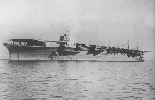 800px-Japanese.aircraft.carrier.zuikaku