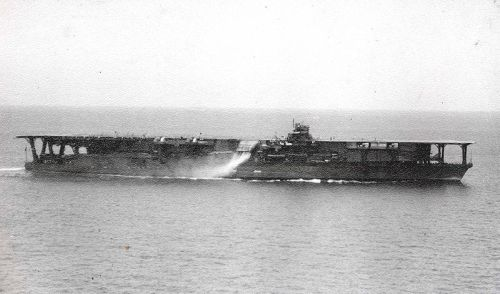 800px-Japanese_Navy_Aircraft_Carrier_Kaga