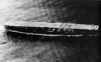 Japanese_aircraft_carrier_Akagi_01-2