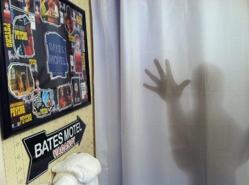batesbathroom