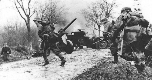 German-Troops-at-the-Battle-of-the-Bulge